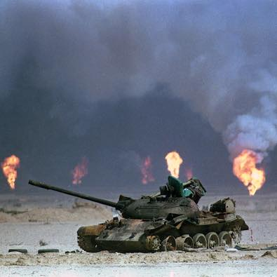GULF WAR, OPERATION DESERT STORM, DESTROYED BURNED OUT IRAQI TANK, EQUIPMENT, BURNING OIL WELLS, TOXIC SMOKE AIR POLLUTION, HEALTH ENVIRONMENTAL DISASTER, AFTERMATH